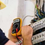 خدمات برق ساختمانی در محل با آچارباز