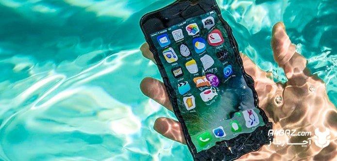 چطور موبایل خود را بعد از افتادن در آب احیا کنیم؟