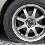 چگونه از پنچری خودروی خود جلوگیری کنیم؟