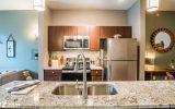 تمیز کردن آشپزخانه کثیف، از دردسر بزرگ به لذت بوی پاکیزگی