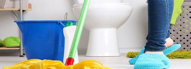 آسانترین روشها برای برق انداختن و تمیز کردن کف دستشویی