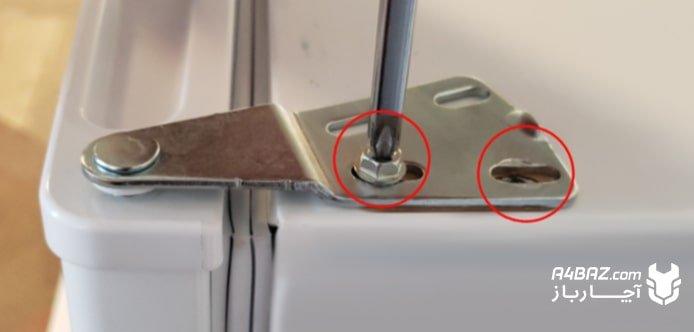 جدا کردن محافظ فلزی درب